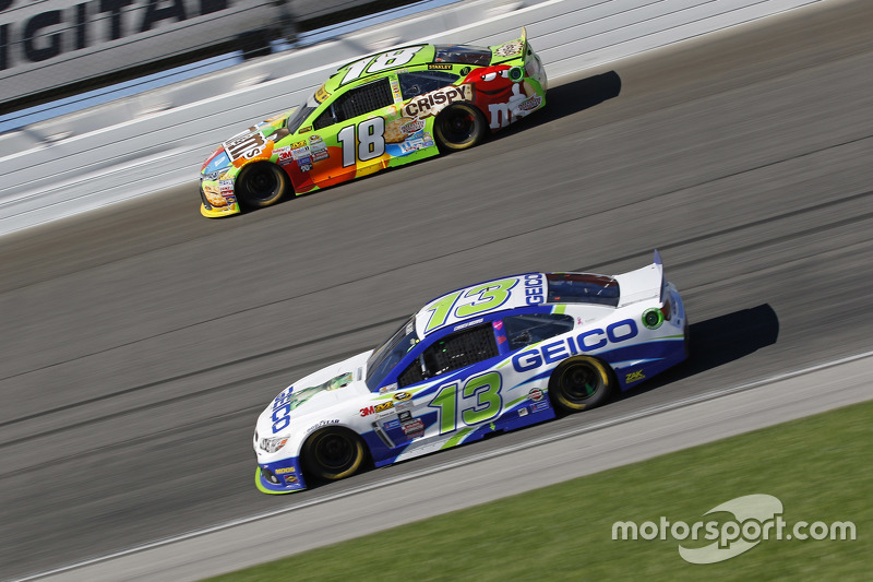 Кейсі Мірс, Germain Racing Chevrolet та Кайл Буш, Joe Gibbs Racing Toyota