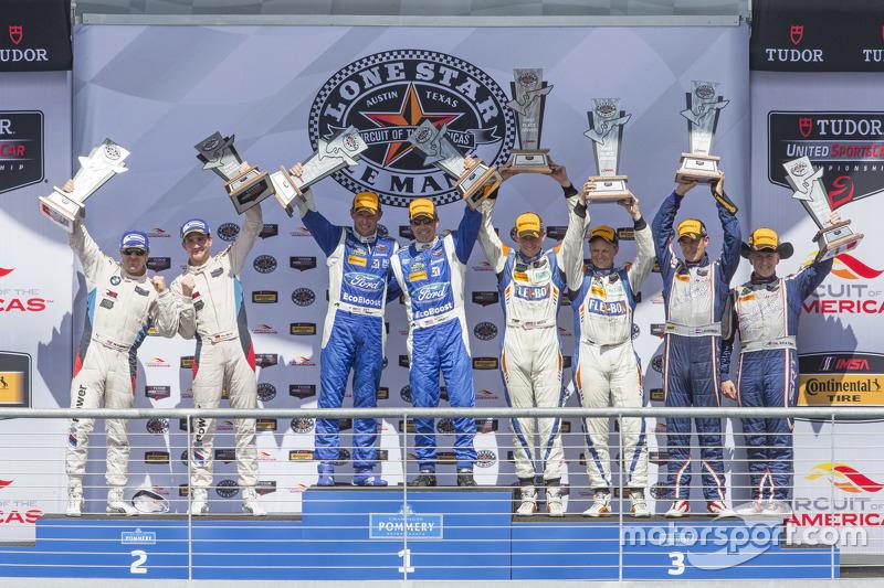 Загальний подіумs: P переможці #01 Chip Ganassi Racing Ford/Riley: Скотт Пруетт, Джоі Хенд, PC перем