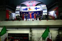 Подиум: победитель гонки - Себастьян Феттель, Ferrari, второе место - Даниэль Риккардо, Red Bull Racing, третье место - Кими Райкконен, Ferrari
