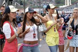Formula Una's in the pitlane