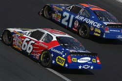 Jeff Green (66) and Bill Elliott (21)