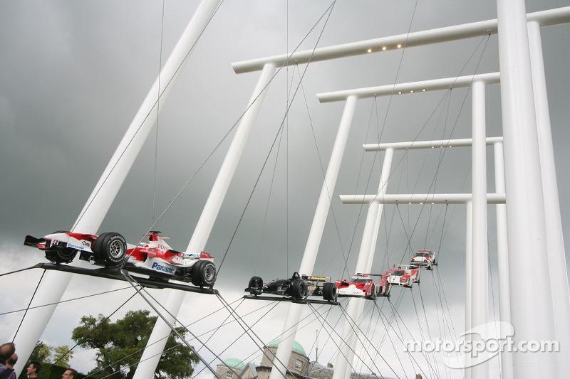 2007 год: Toyota