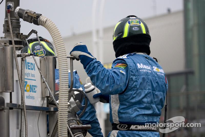 Graham Rahal's pit crew