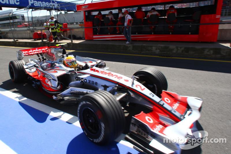 Льюіс Хемілтон, McLaren Mercedes, MP4-22, Міхаель Шумахер