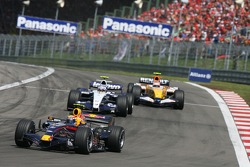 Mark Webber, Red Bull Racing RB3; Alexander Wurz, Williams FW29