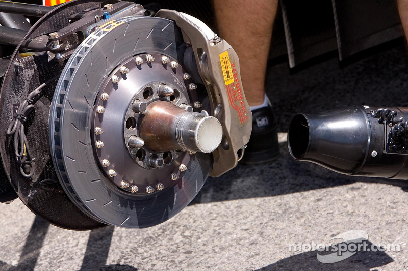 Cooling the brakes between qualifying runs