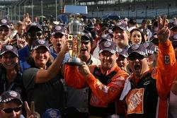Victory Lane: Sieger Tony Stewart