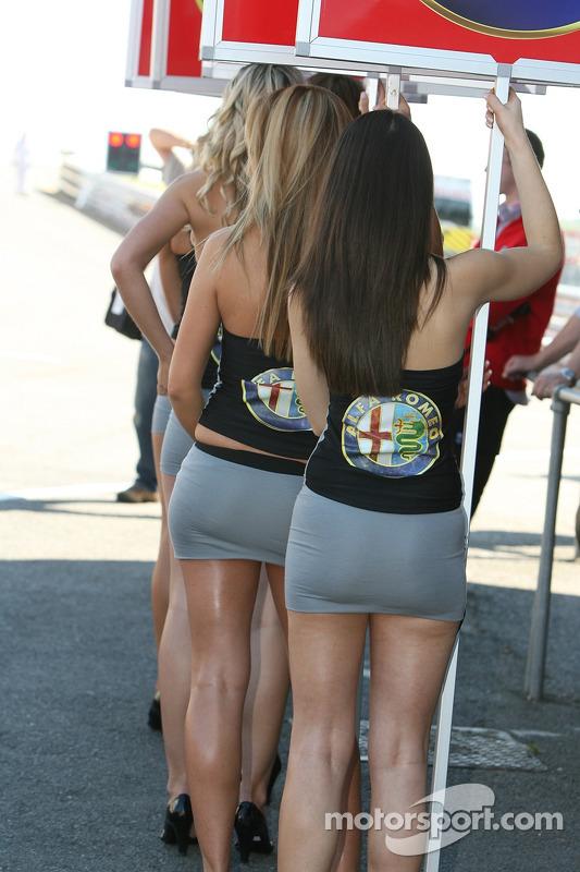 Alfa Romeo Girls At Brands Hatch-6365