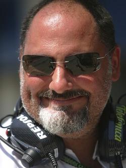 Alfonso De Orleans Borbon, Ingénieur principal Racing Team
