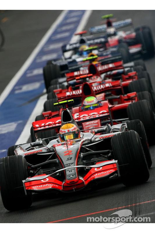 Lewis Hamilton, McLaren Mercedes, MP4-22, Felipe Massa, Scuderia Ferrari, F2007, Kimi Raikkonen, Scu