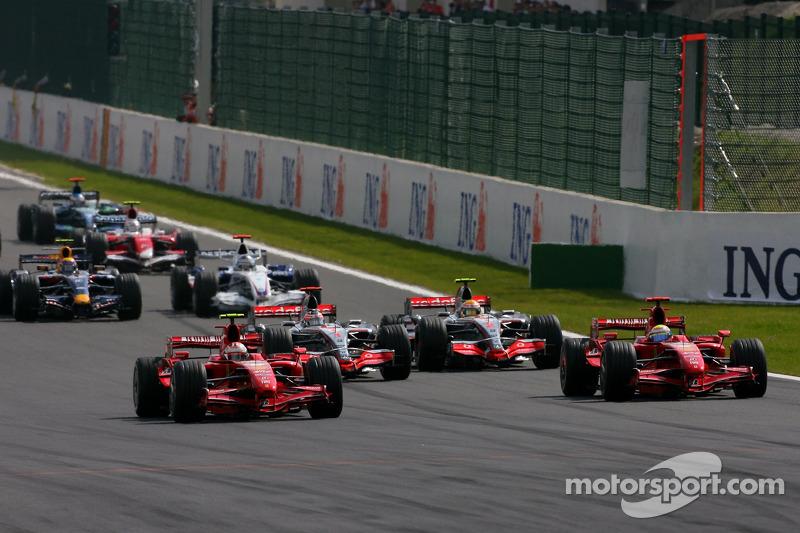 Start, Kimi Raikkonen, Scuderia Ferrari, F2007 leads Felipe Massa, Scuderia Ferrari, F2007,Fernando