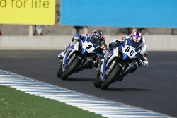 Ben Spies chases Mat Mladin for the Superbike Championship