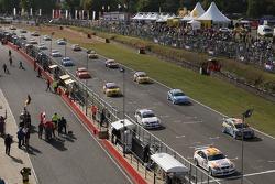Départ, Felix Porteiro, BMW Team Italy-Spain, BMW 320si WTCC, Pierre-Yves Corthals, SEAT Belgique and Monroe, SEAT Leon et Andy Priaulx, BMW Team UK, BMW 320si WTCC