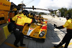 Pitstop for #7 Penske Racing Porsche RS Spyder: Romain Dumas, Timo Bernhard, Patrick Long