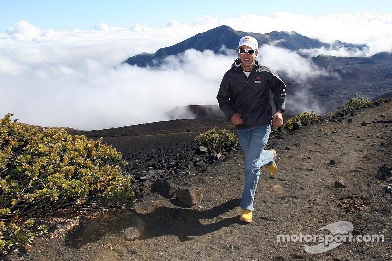 Себастьян Феттель, Scuderia Toro Rosso на Гаваях (національний парк Халікала)