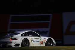 #18 Rahal Letterman Racing Porsche 911 GT3 RSR: Ralf Kelleners, Tom Milner, Graham Rahal