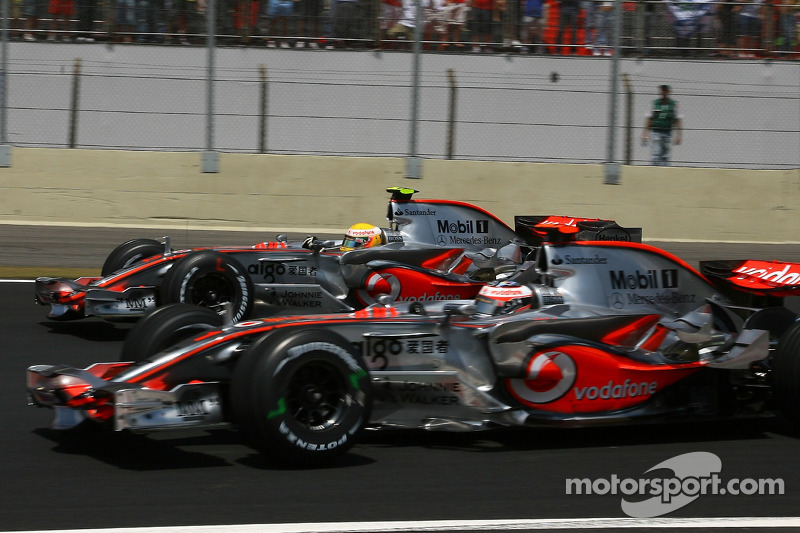 8: Lewis Hamilton & Fernando Alonso (McLaren)