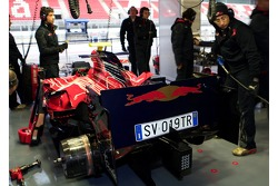 Scuderia Toro Rosso, STR02 with a number plate