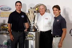 Press conference at the Doral in Miami: Jimmie Johnson, team owner Rick Hendrick and Jeff Gordon pose with the Nextel Cup