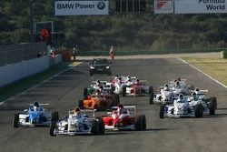 Start, Daniel Morad, Eurointernational leads Sam Abay, Double R Racing