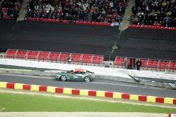 Quarter final 3: Heikki Kovalainen crashes out