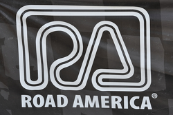 Road America, Schild