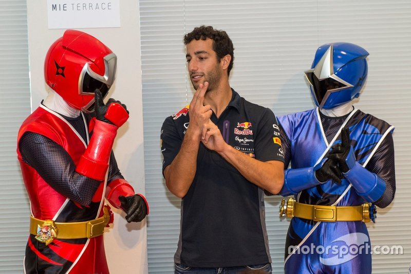 Daniel Ricciardo, Red Bull Racing meets the Shuriken Sentai Ninninjyaa
