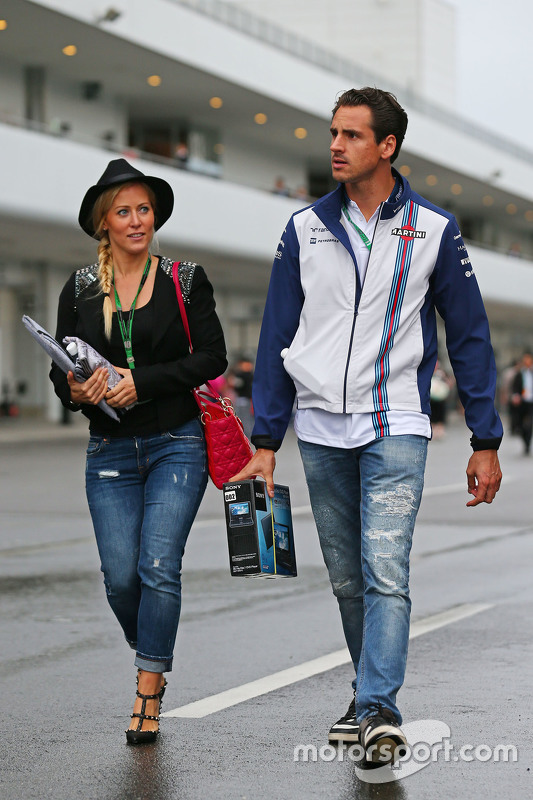 Adrian Sutil Williams Reserve Driver With His Girlfriend Jennifer Becks