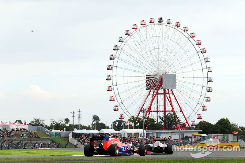 Макс Ферстаппен, Scuderia Toro Rosso STR10 лідирує  Уілл Стівенс, Manor Marussia F1 Team