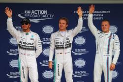 Обладатель поула - Нико Росберг, Mercedes AMG F1 Team, второе место - Льюис Хэмилтон, Mercedes AMG F