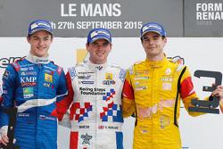 منصة التتويج: الفائز أوليفر رولاند، فورتيك موتورسبورت، المركز الثاني إيغور أورودزيف، أردن موتورسبورت