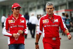 Esteban Gutierrez, Ferrari Test en Reserve rijder met Maurizio Arrivabene, Ferrariteambaas