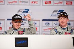 Пресс-конференция после гонки: Подиум: победитель - Феликс Розенквист, Prema Powerteam, второе место - Ник Кэссиди, Three Bond with T-Sport