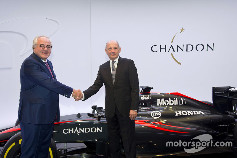 Christophe Navarre, Geschäftsführer Moët Hennessy; Ron Dennis, Geschäftsführer McLaren Technology Group