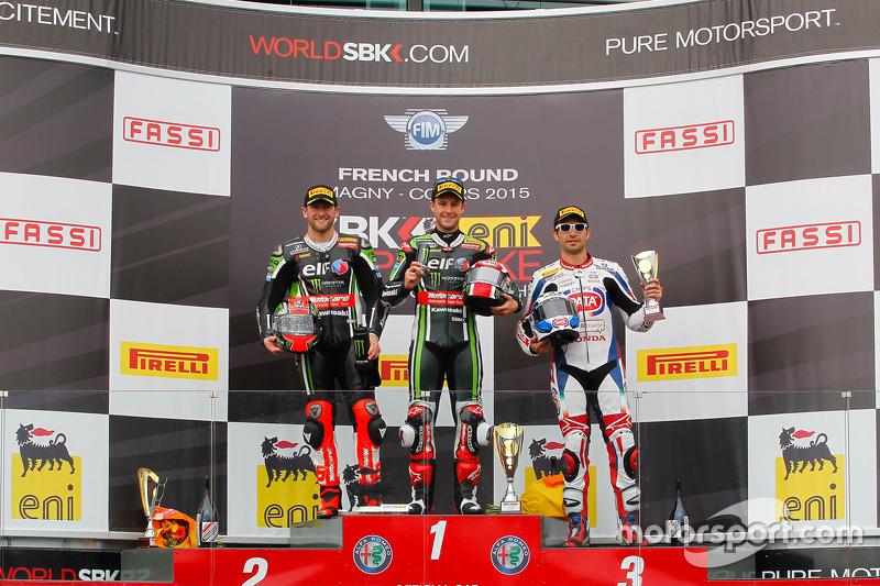 Podium 1. Rennen: 2. Tom Sykes, Kawasaki; 1. Jonathan Rea, Kawasaki; 3. Sylvain Guintoli, Pata Honda