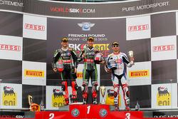 Podio gara 1: il secondo Tom Sykes, Kawasaki, il vincitore  Jonathan Rea, Kawasaki e il terzo Sylvain Guintoli, Pata Honda