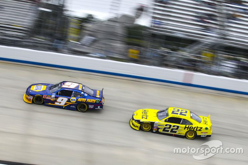 Чейз Елліот, JR Motorsports Chevrolet та Райан Блейні, Team Penske Ford