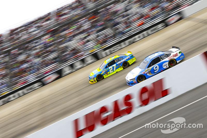 Пол Менард, Річард Чілдресс Racing Chevrolet та Сем Хорніш мол., Richard Petty Motorsports Ford