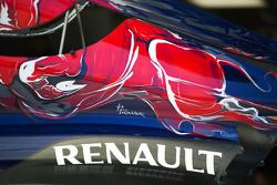 红牛二队STR10,引擎盖,雷诺Logo