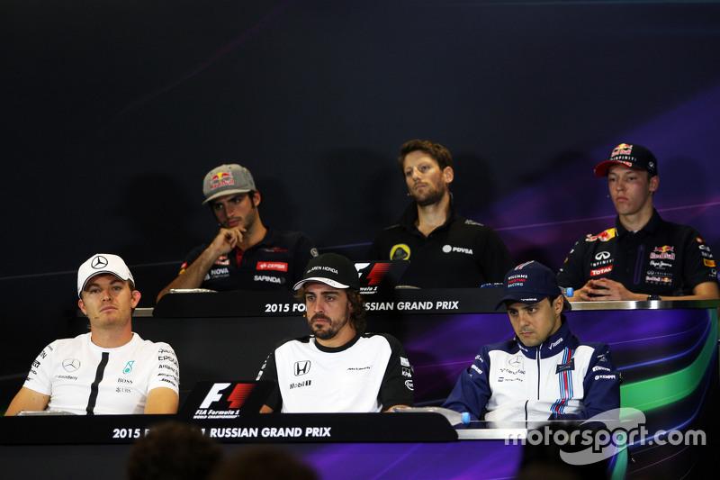 Карлос Сайнс мол., Scuderia Toro Rosso; Ромен Грожан, Lotus F1 Team;Данііл Квят, Red Bull Racing; Ні