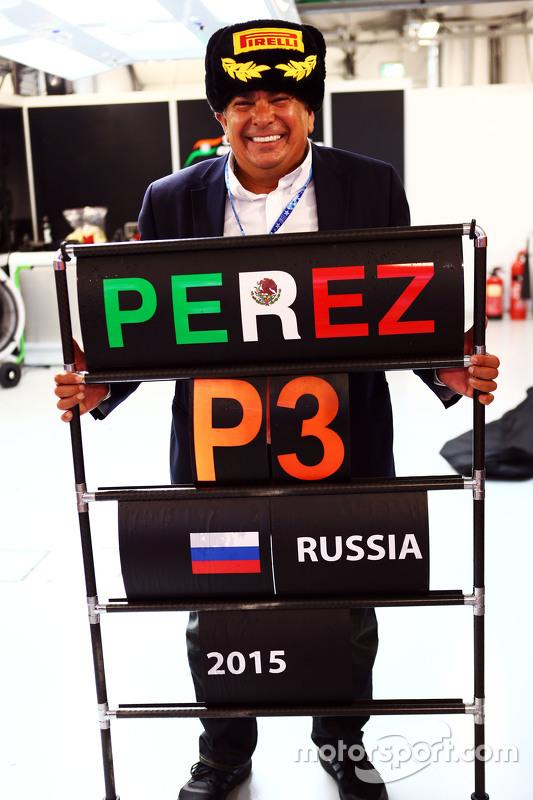 Antonio Perez, celebrates third position for his son Sergio Perez, Sahara Force India F1