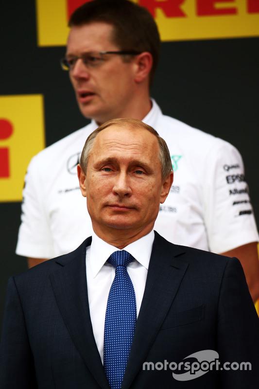 Vladimir Putin, Russische president op het podium