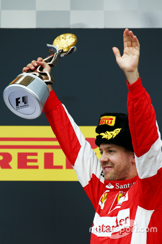 Sebastian Vettel, Ferrari viert tweede plaats op het podium
