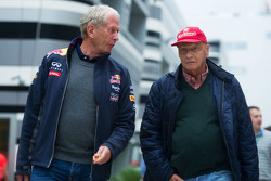 Dr Helmut Marko, Red Bull Motorsport Consultor con Niki Lauda, Mercedes Presidente no ejecutivo