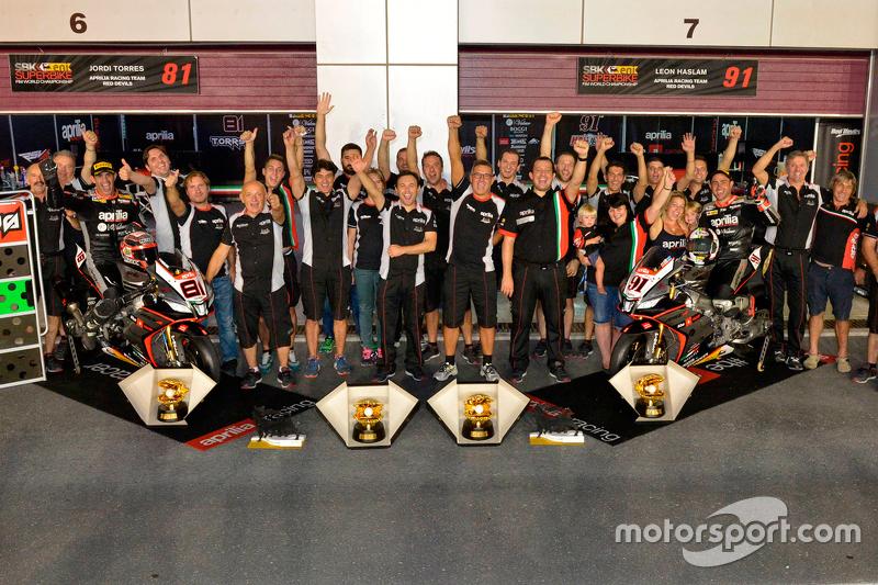 El Aprilia Racing Team celebra sus victorias en Losail