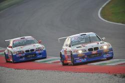 BMW M3 E46 #1 Paolo Meloni e Massimiliano Tresoldi, W & D Racing Team, davanti alla BMW M3 E46 #2 Walter Palazzo e Massimo Zanin, W & D Racing Team