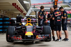 Red Bull Racing RB11 van Daniel Ricciardo, Red Bull Racing in de pits