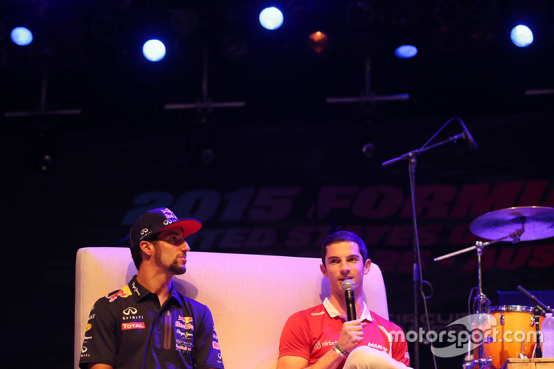 (L to R): Daniel Ricciardo, Red Bull Racing and Alexander Rossi, Manor Marussia F1 Team at the Fans' Forum