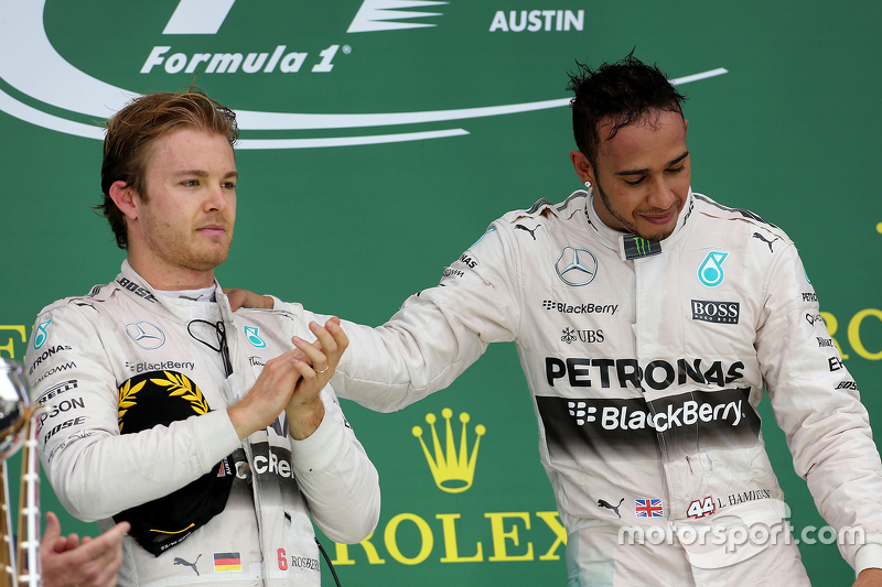 Podium: Second place Nico Rosberg, Mercedes AMG F1 Team and race winner and World Champion Lewis Ham