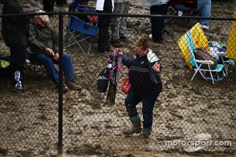 Fans in the mud